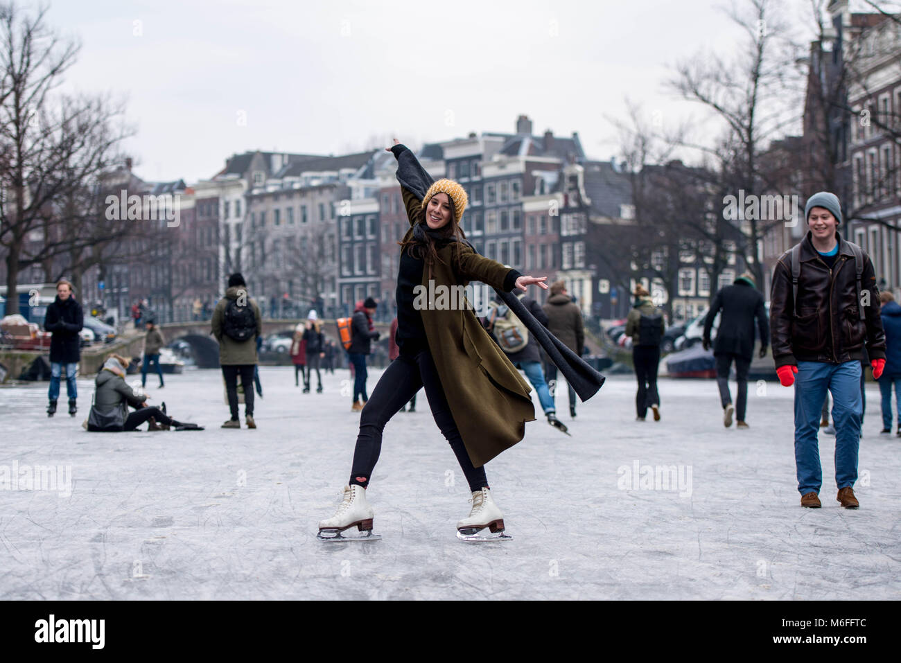 Amsterdam, The Netherlands 3rd March 2018: As temperatures plumet throughout Europe, Amsterdamers take to their Stock Photo