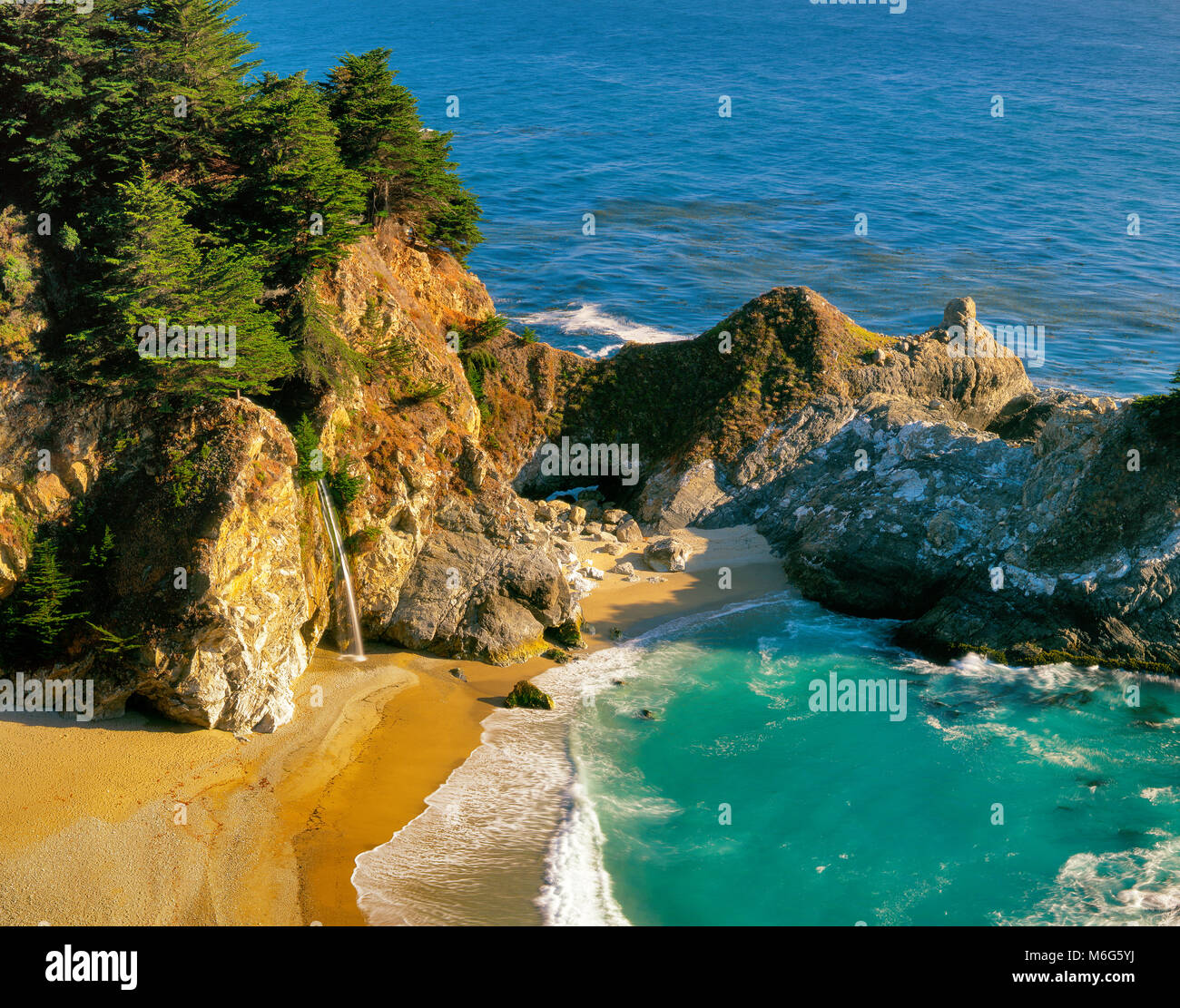 McWay Falls, Pfeiffer-Burns State Park, Big Sur, Monterey County, California - Stock Image