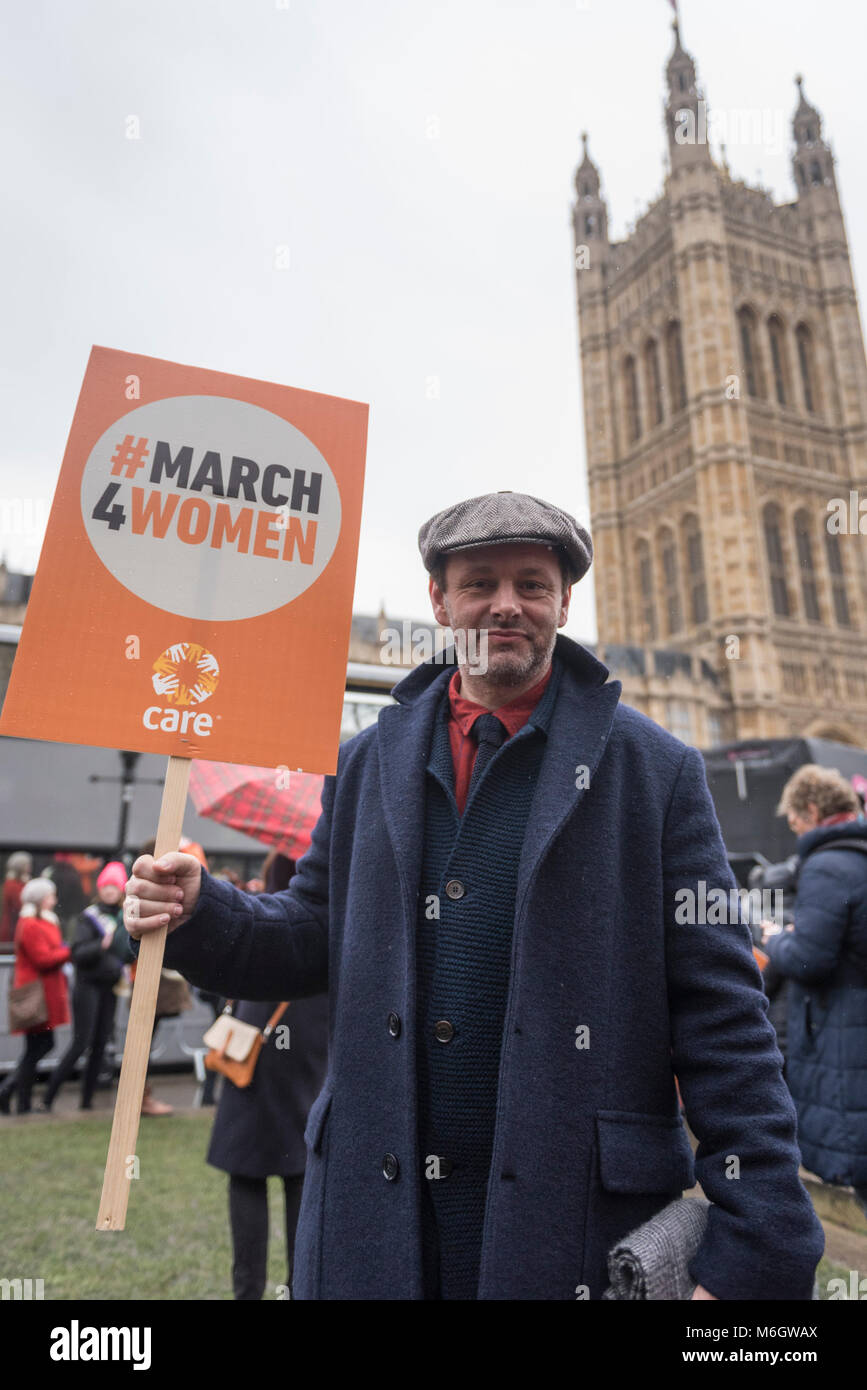 London, UK.  4 March 2018.  Michael Sheen, actor, joins the march. Hundreds of men and women take part in the annual - Stock Image