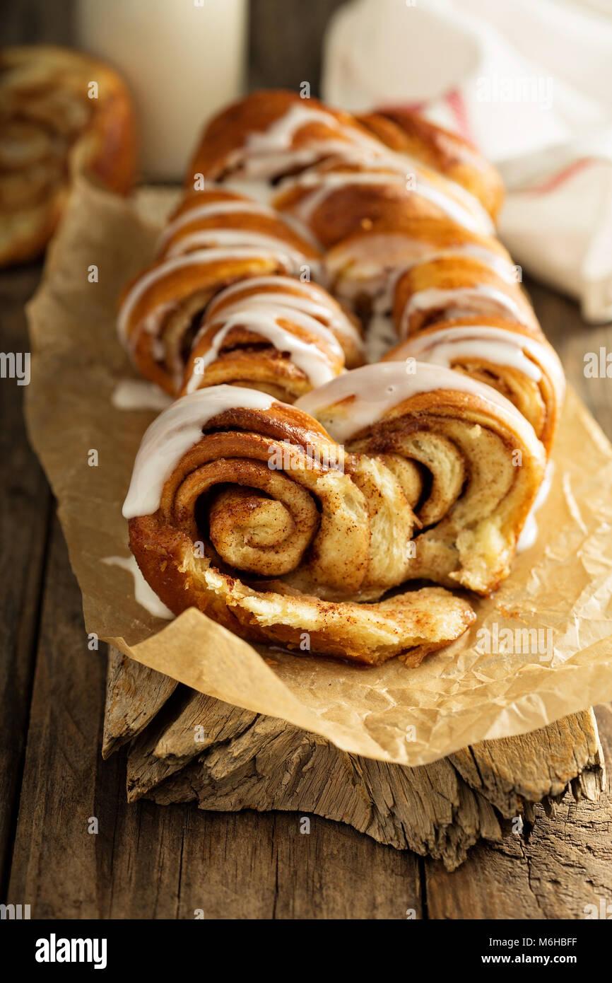 CInnamon rolls pull apart loaf - Stock Image