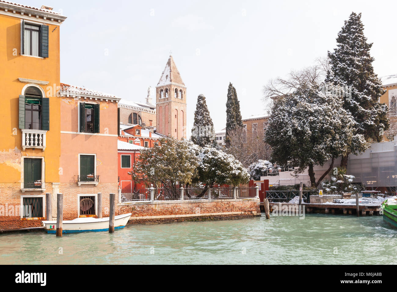 Snow in Venice during the weather front from Siberia , Campo San Vidal, Grand Canal, Venice, Italy with white scaffolding - Stock Image