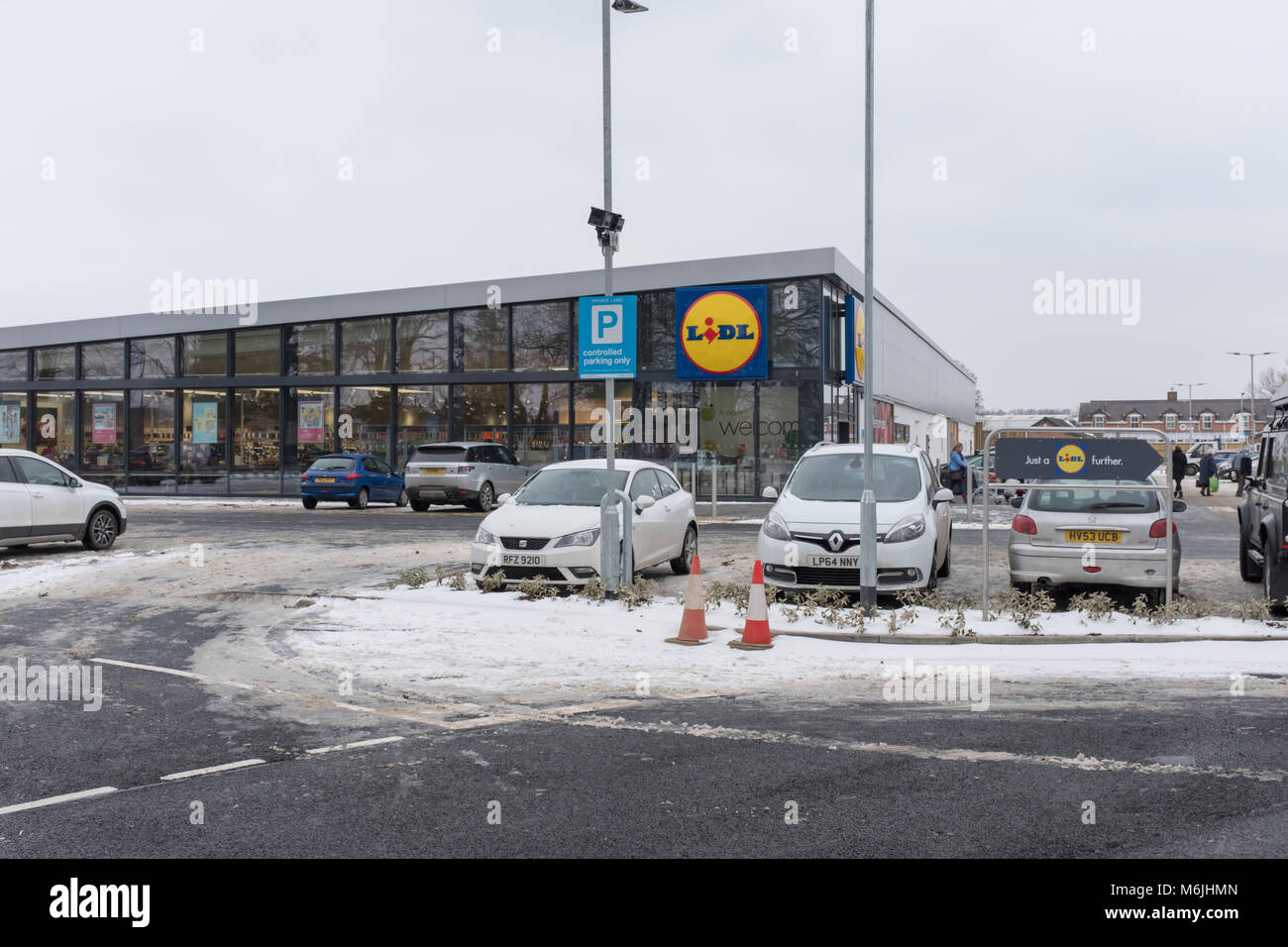 Lidl supermarket and car park winter, Oakham Rutland UK - Stock Image
