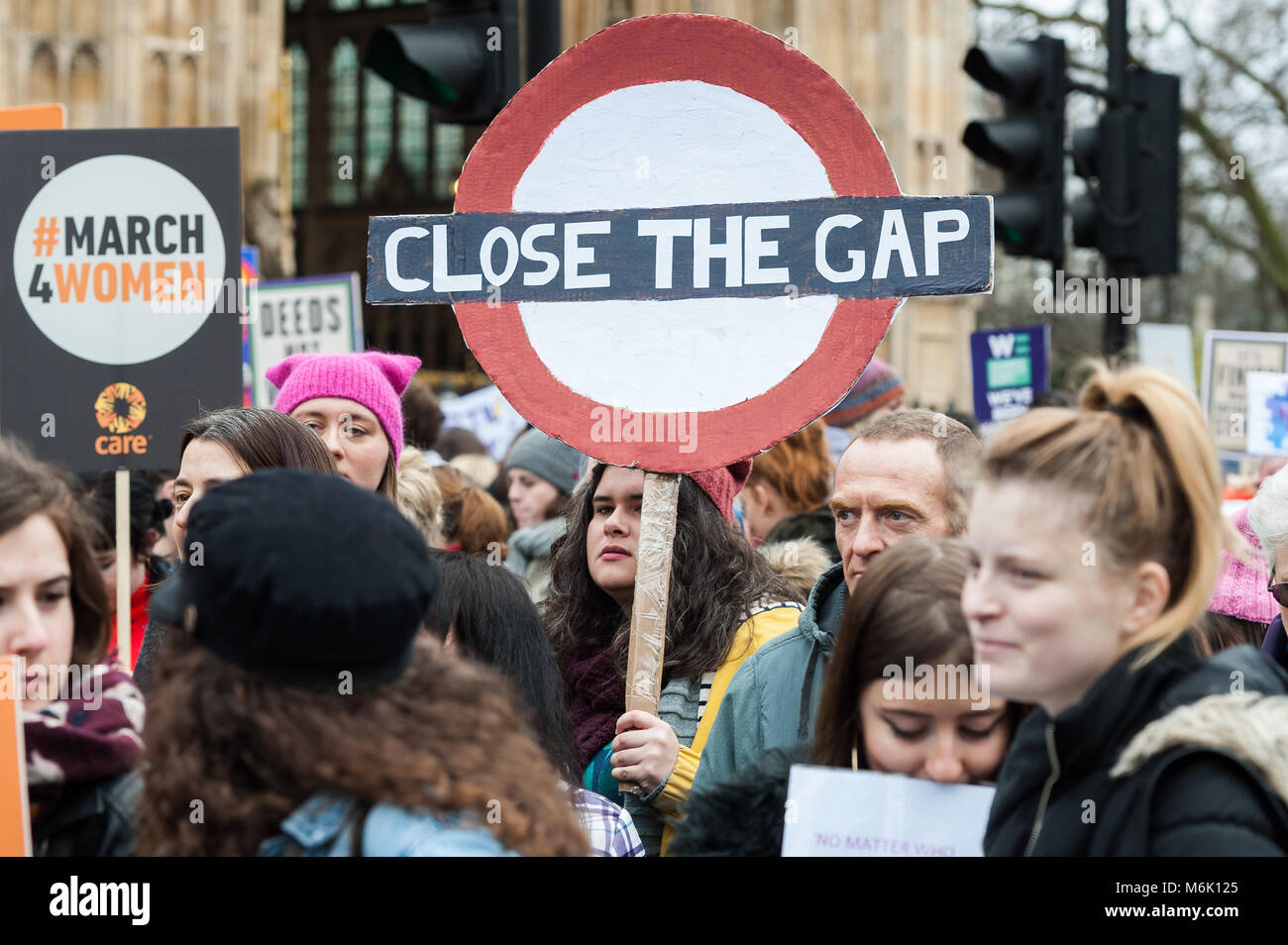 London, UK. 4th March, 2018. Thousands of people including politicians, celebrities and activists gather at Old - Stock Image
