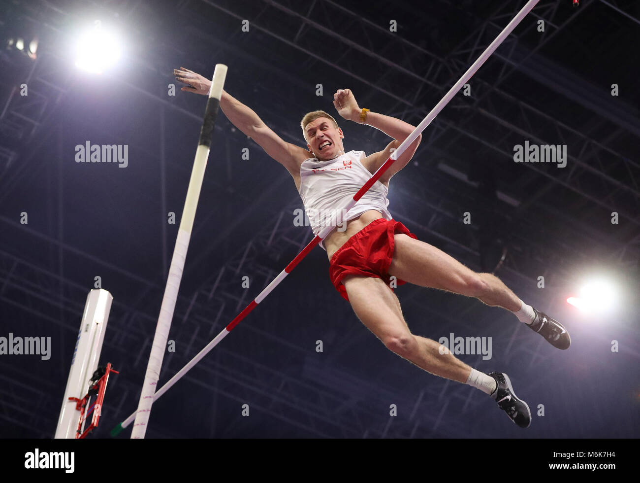 Birmingham. 4th Mar, 2018. Piotr Lisek of Poland competes during the men's pole vault final of the IAAF World - Stock Image