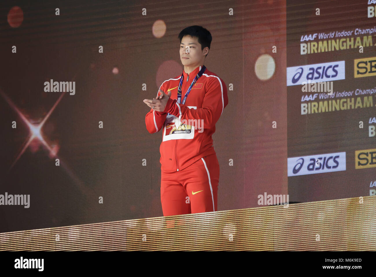(180305) -- BIRMINGHAM, March 5, 2018 (Xinhua) -- Silver medalist Su Bingtian of China reacts during the medal ceremony - Stock Image