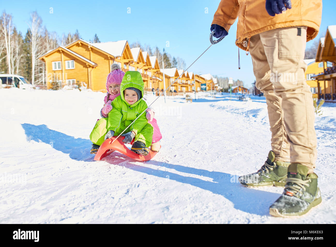 Children enjoying sleigh ride - Stock Image