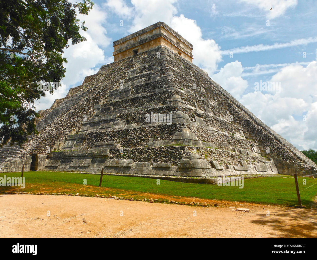 Kukulkan Pyramid in Chichen Itza on the Yucatan, Mexico - Mayan culture - Stock Image