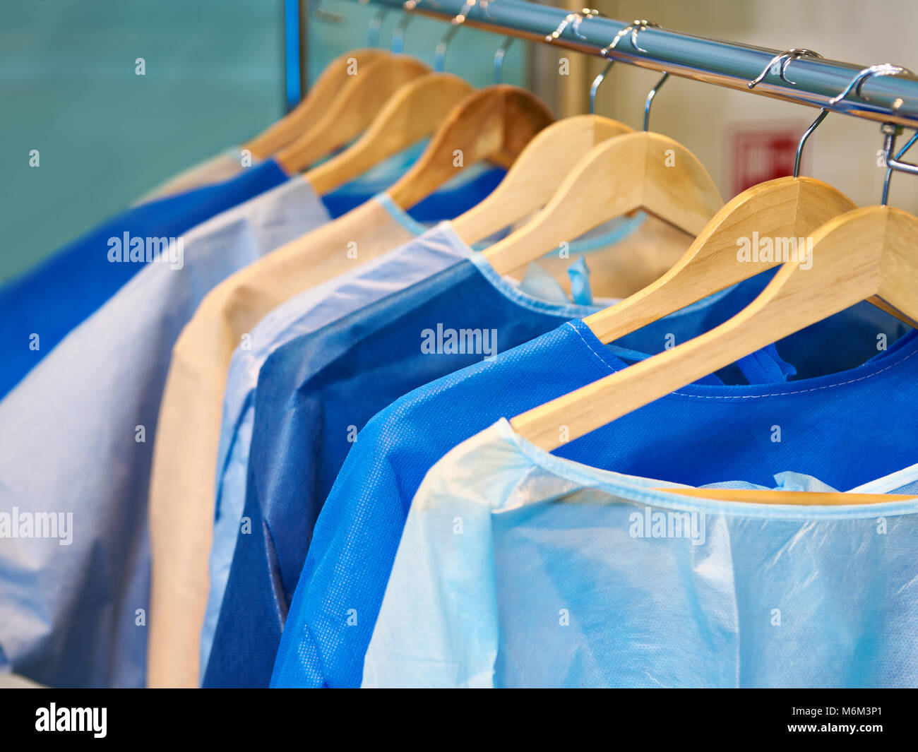 Sterile Gowns Stock Photos & Sterile Gowns Stock Images - Alamy