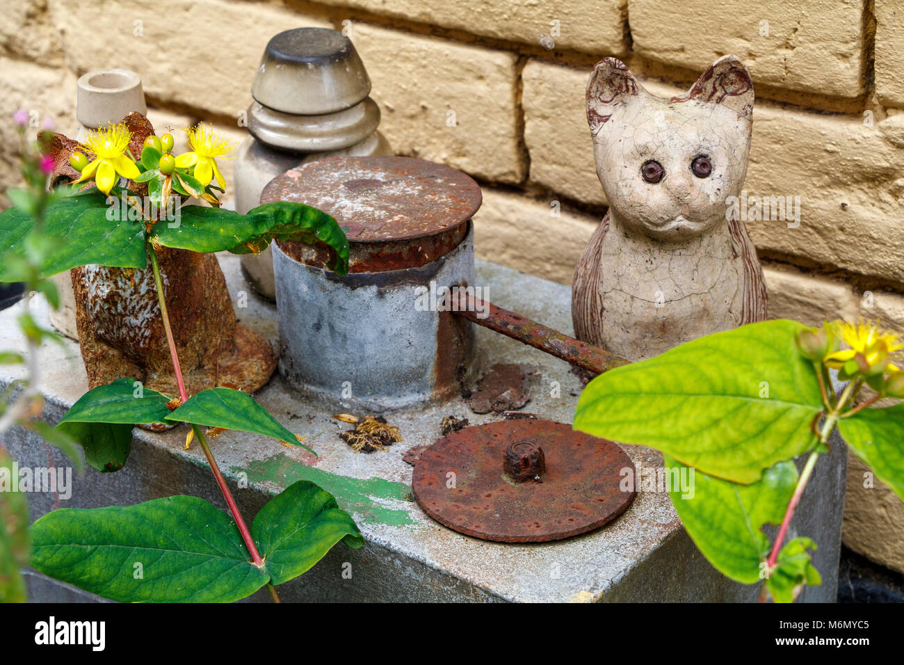 A collection of Winstanley pottery cats arranged outdoors. North Walsham, Norfolk, UK. Stock Photo