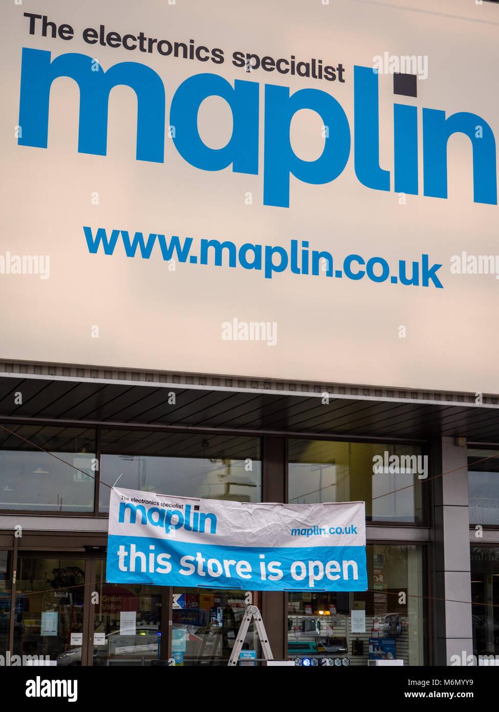 Maplin Electronic Store, Reading, Berkshire, England. - Stock Image