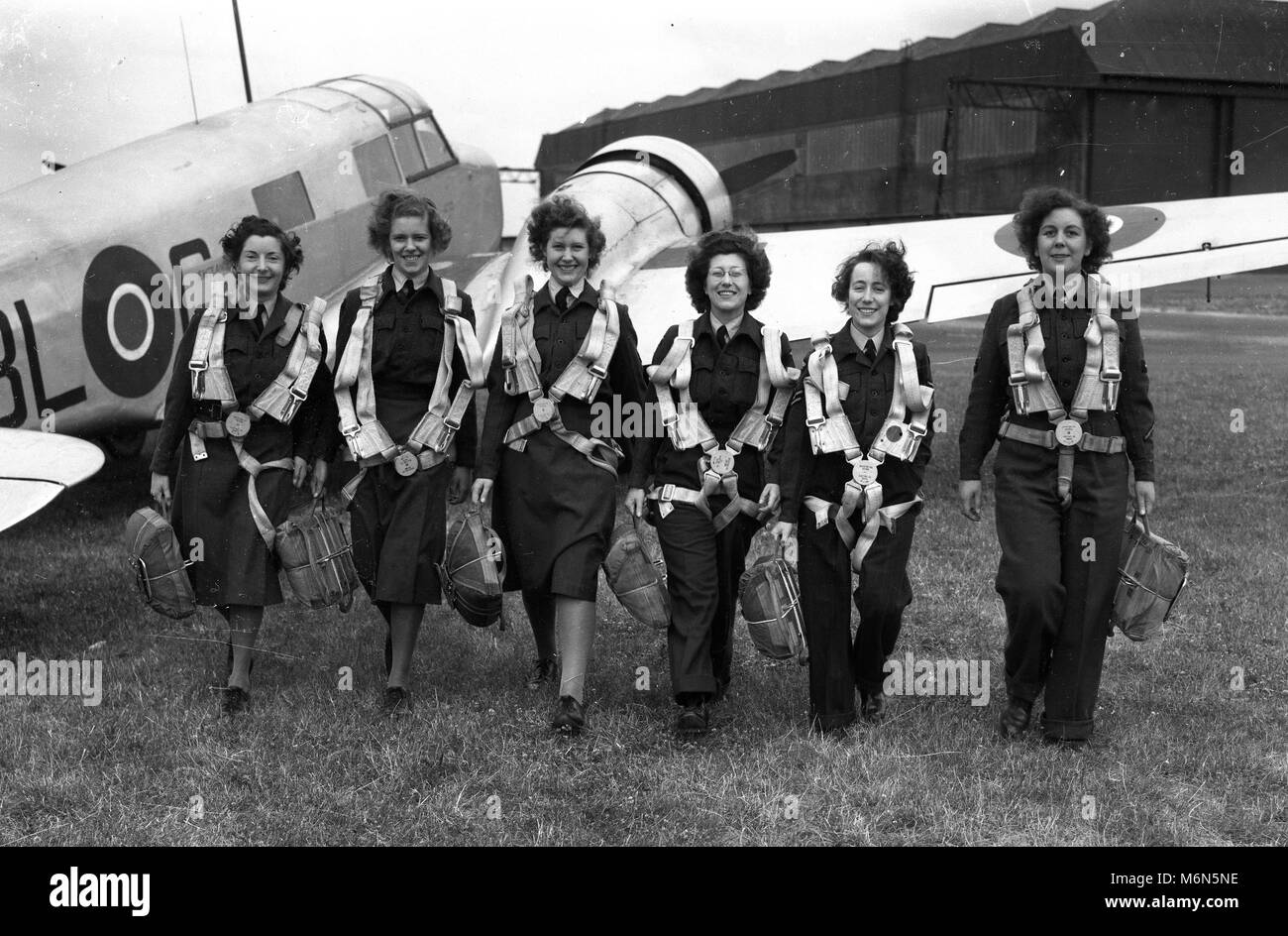 Air Transport Auxiliary female WWII Pilots & crew Britain 1942 - Stock Image