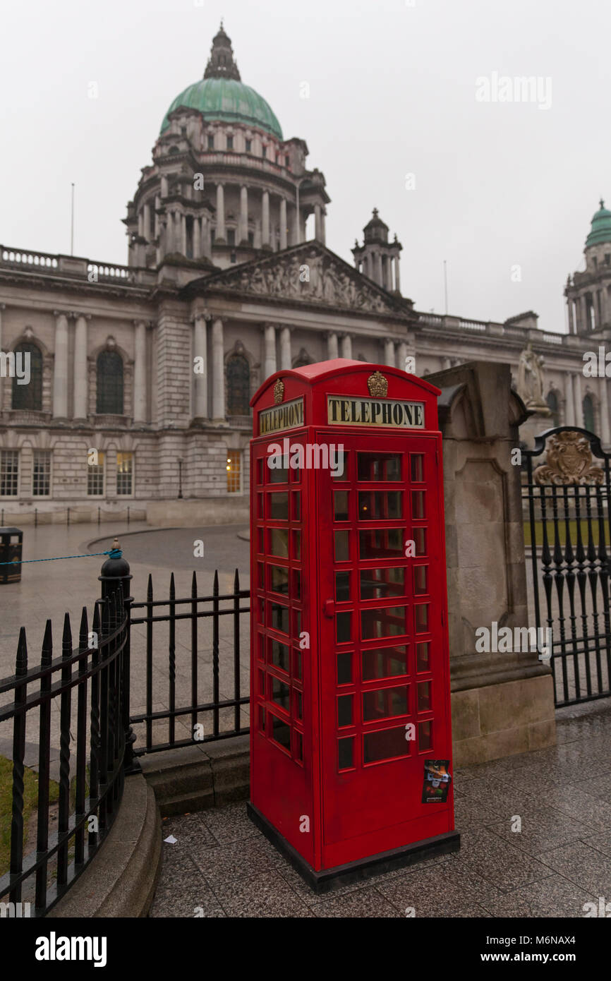 Belfast, UK. 5th March, 2018. A K6 Red Telephone Box was place just out side the entrance to the grounds of Belfast - Stock Image