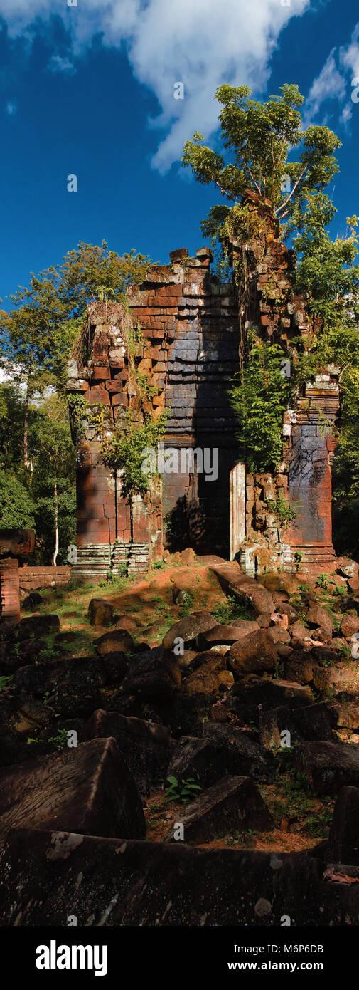 Near Chen temple, Koh Ker temple complex, Preah Vihear province, Cambodia - Stock Image