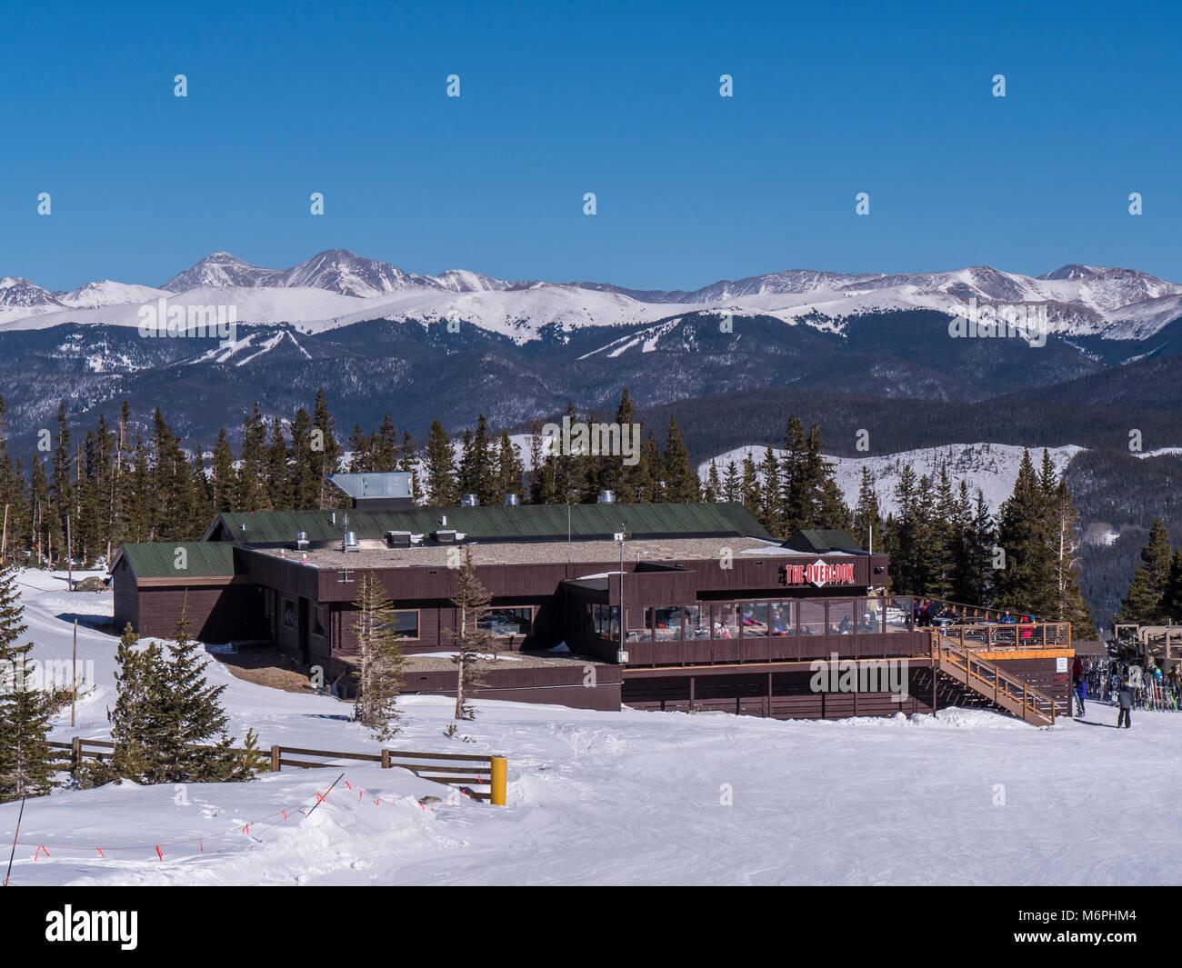 The Overlook day lodge and restaurant atop Peak 9, Breckenridge Ski Resort, Breckenridge, Colorado. - Stock Image