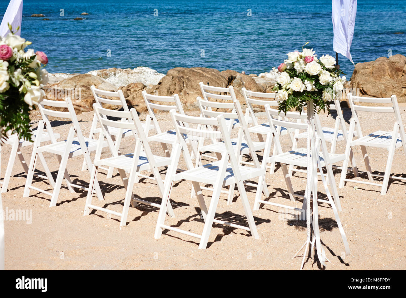 The Beach Wedding Venue Preparation Before Ceremony Flowers Floral Stock Photo Alamy