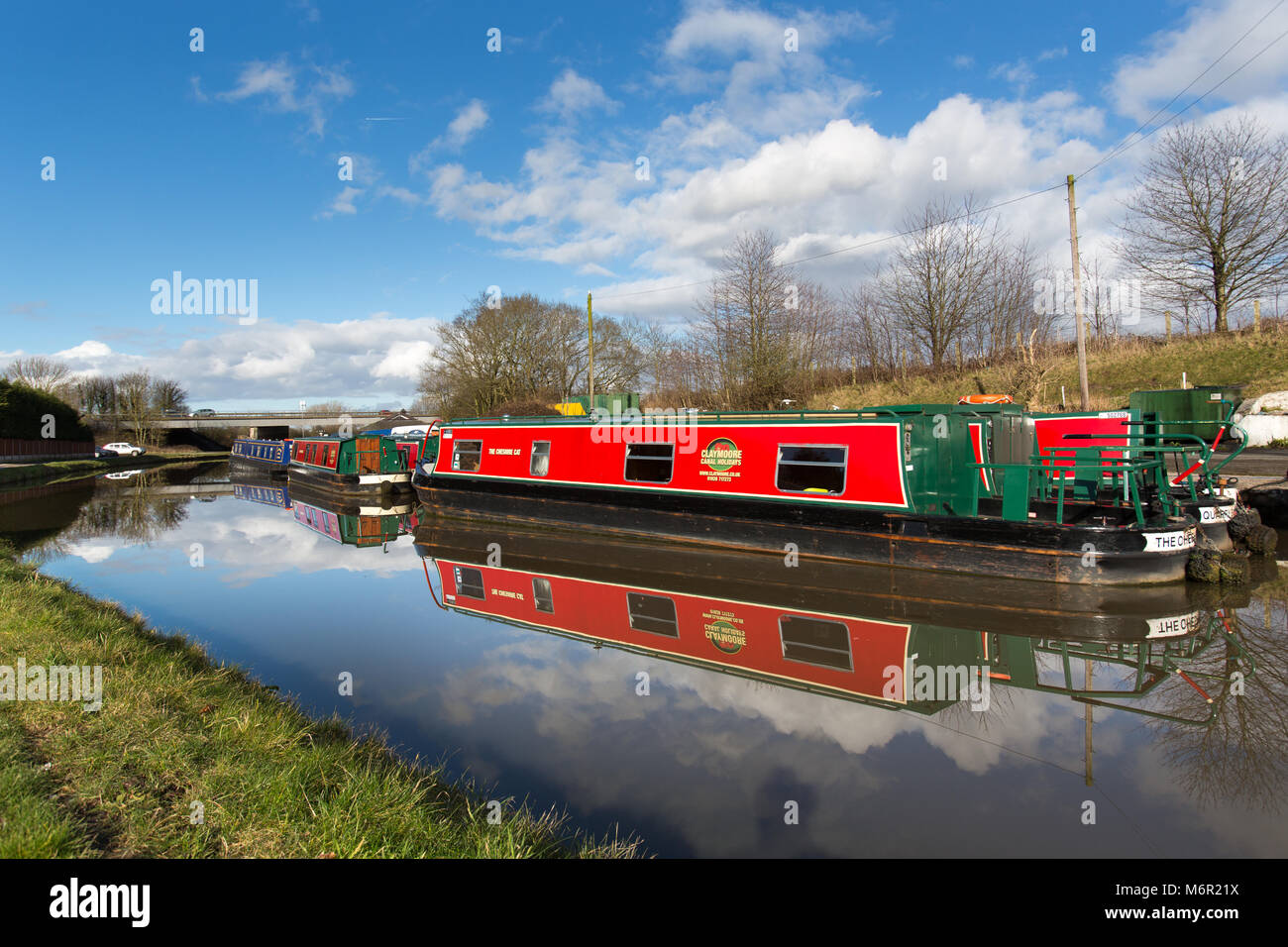 Bridgewater Canal, Cheshire, England.  Picturesque view of canal boats berthed on the Bridgewater Canal, at Preston - Stock Image