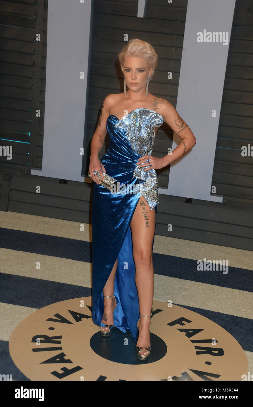 Nice BEVERLY HILLS, CA   MARCH 04: Halsey Attends The 2018 Vanity Fair Stock  Photo: 176298980   Alamy