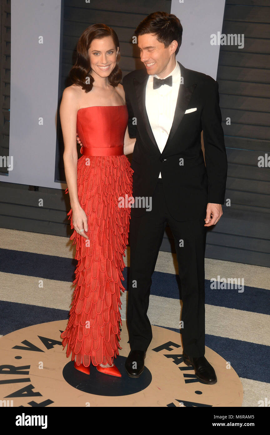Superb Allison Williams And Ricky Van Veen Attending The 2018 Vanity Fair Stock  Photo: 176304917   Alamy