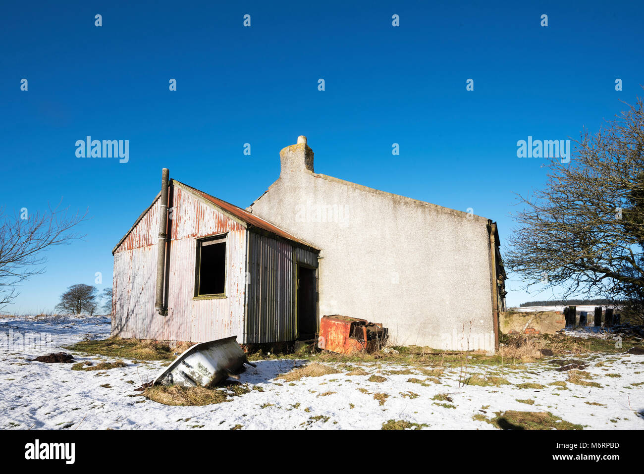 Derelict house in countryside in central Scotland. - Stock Image