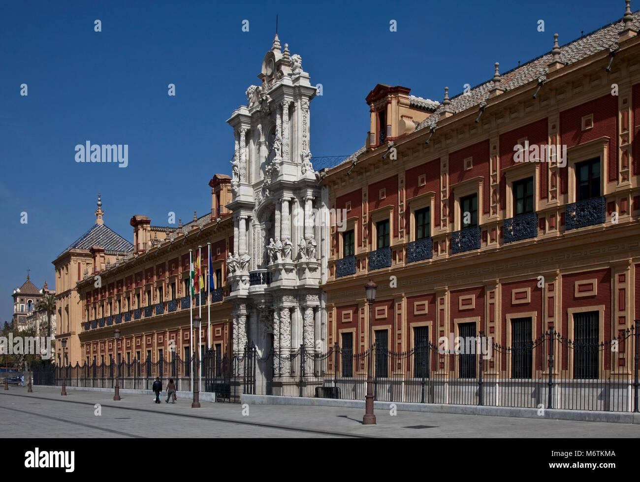 Sevilla, San-Telmo-Palast. Palast San Telmo. Fassade von 1757 Stock Photo