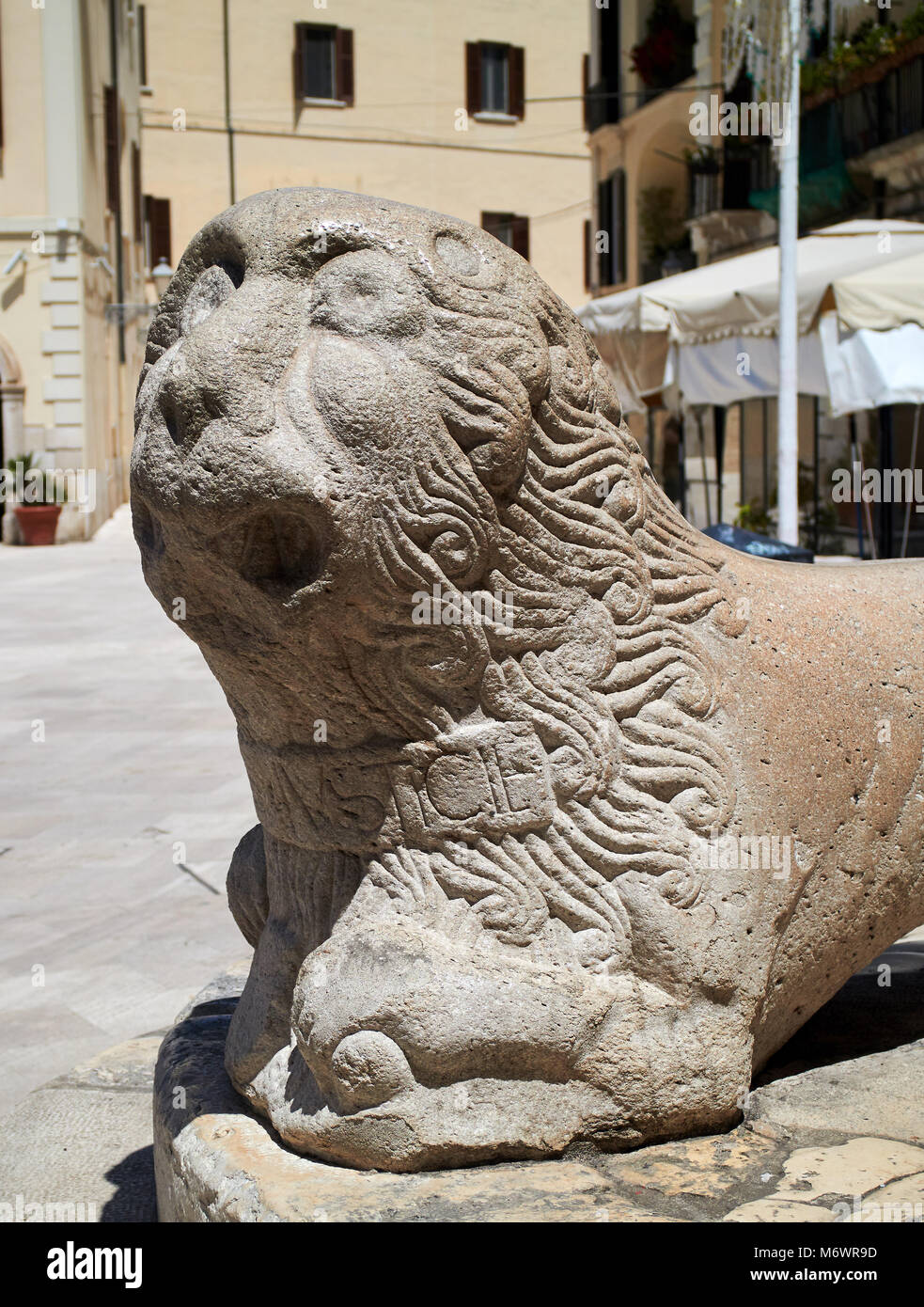 Europe, Italy, Puglia, Bari city, the old town,  Mercantile Square. Infamous Column. Marble Lion - Stock Image