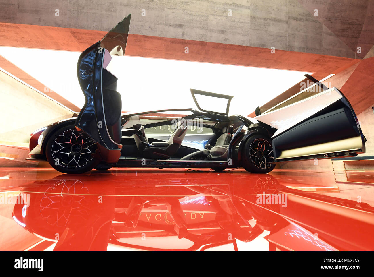 07 March 2018 Switzerland Geneva An Aston Martin Lagonda Vision Stock Photo Alamy