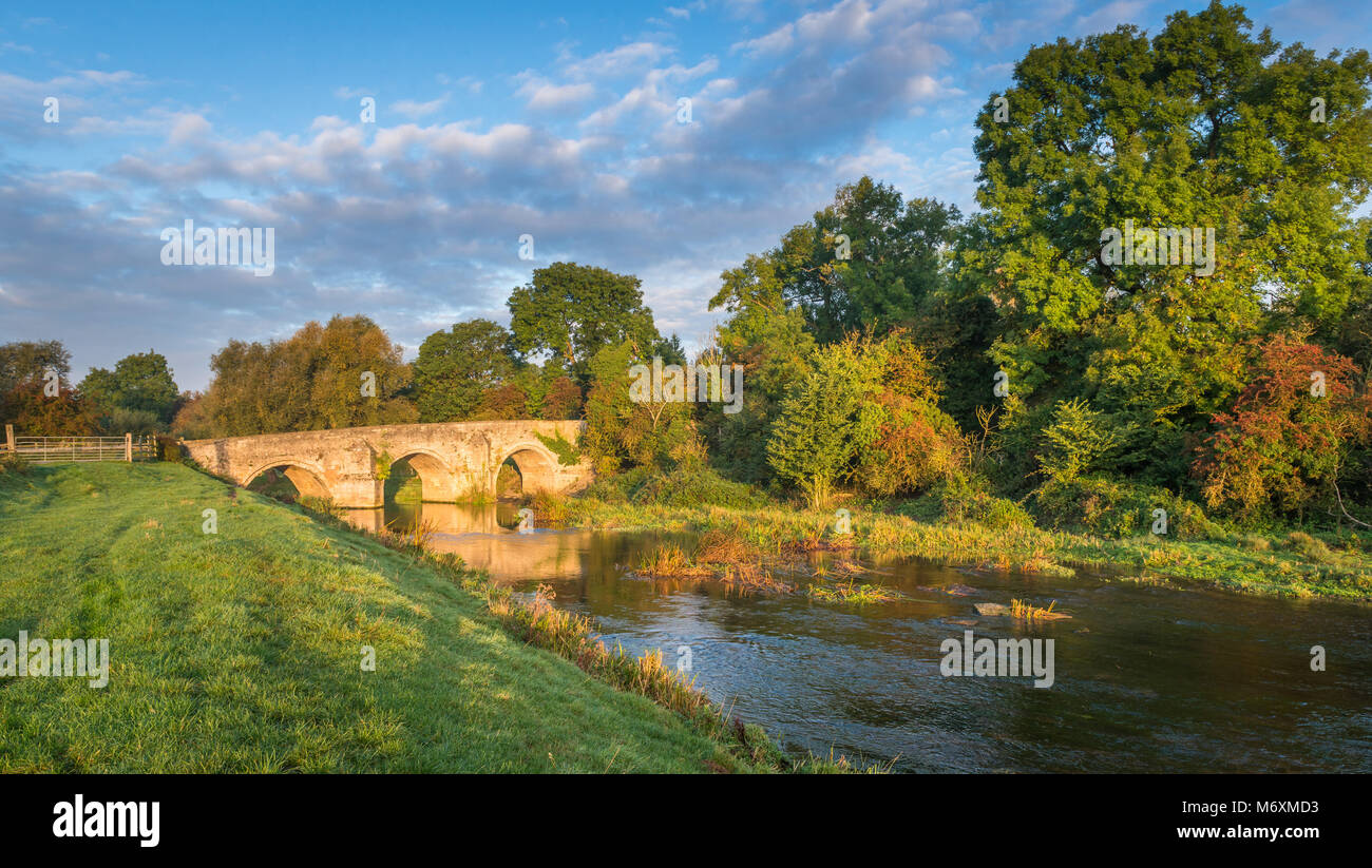 The river Welland flows through South Lincolnshire near Stamford. Here's the ancient bridge that crosses the river at Uffington. Stock Photo