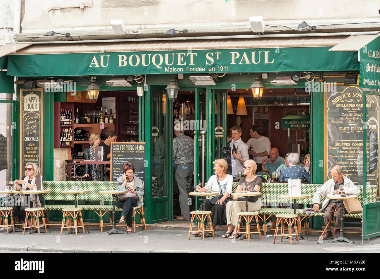 c2a96763e1 Saint Paul Paris Stock Photos   Saint Paul Paris Stock Images - Alamy