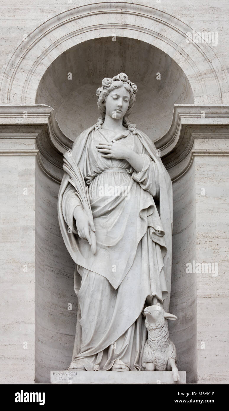 Neoclassic Marble Statue in its Niche in Rome, Italy - Stock Image