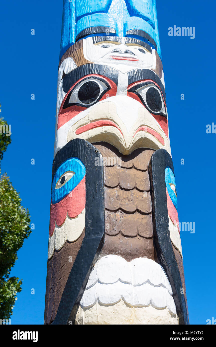 The Totem Pole of Friendship, Memorial Avenue, Harewood, Christchurch, Canterbury, New Zealand - Stock Image