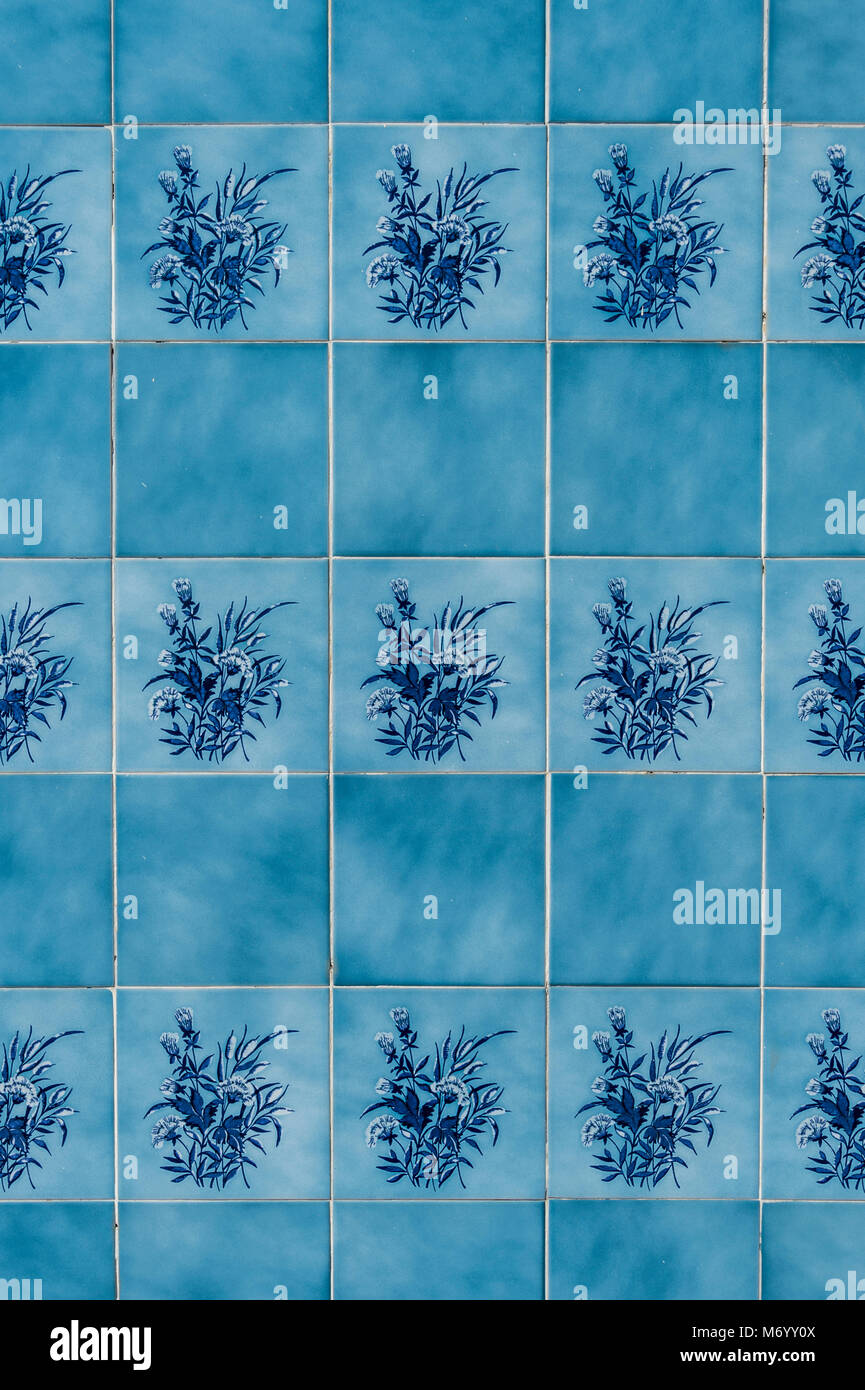 Portuguese tiles on a wall Stock Photo: 176405514 - Alamy