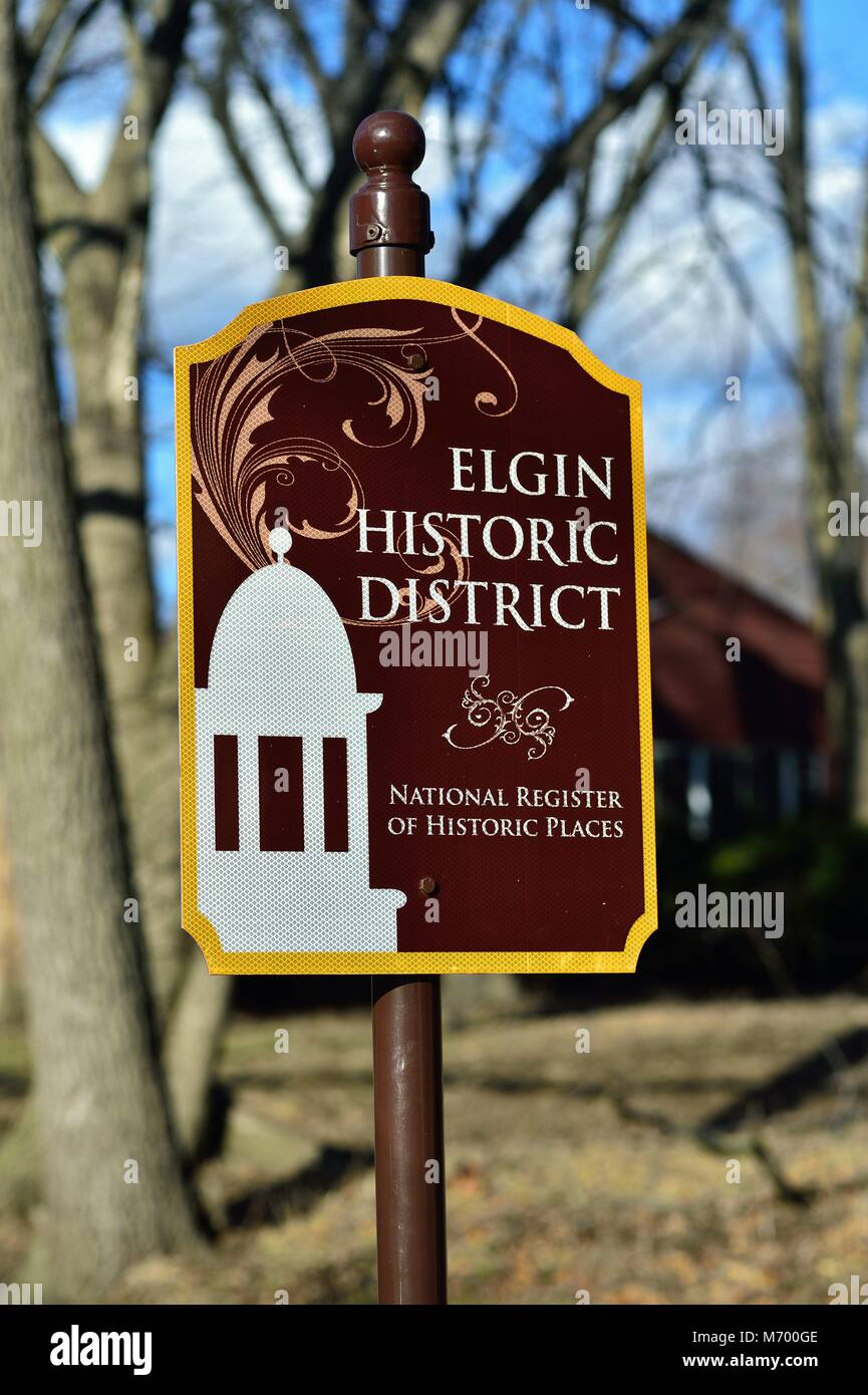 Elgin, Illinois, USA. A reference sign at the entrance to a  residential historic district in Elgin, Illinois, USA. - Stock Image