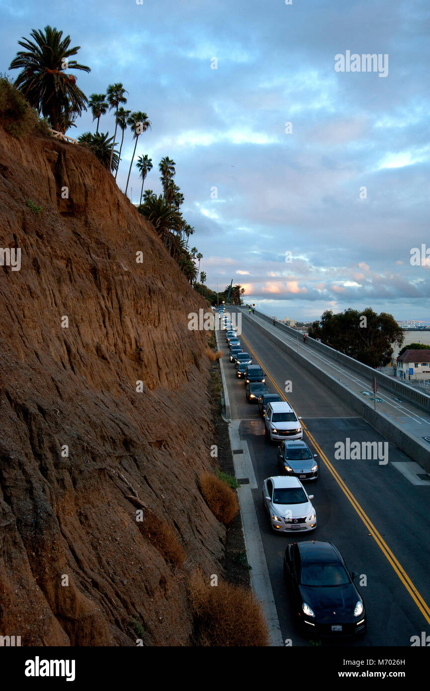 A road designated as the California Incline connects Santa Monica with the Pacific coast Highway below the ocean - Stock Image