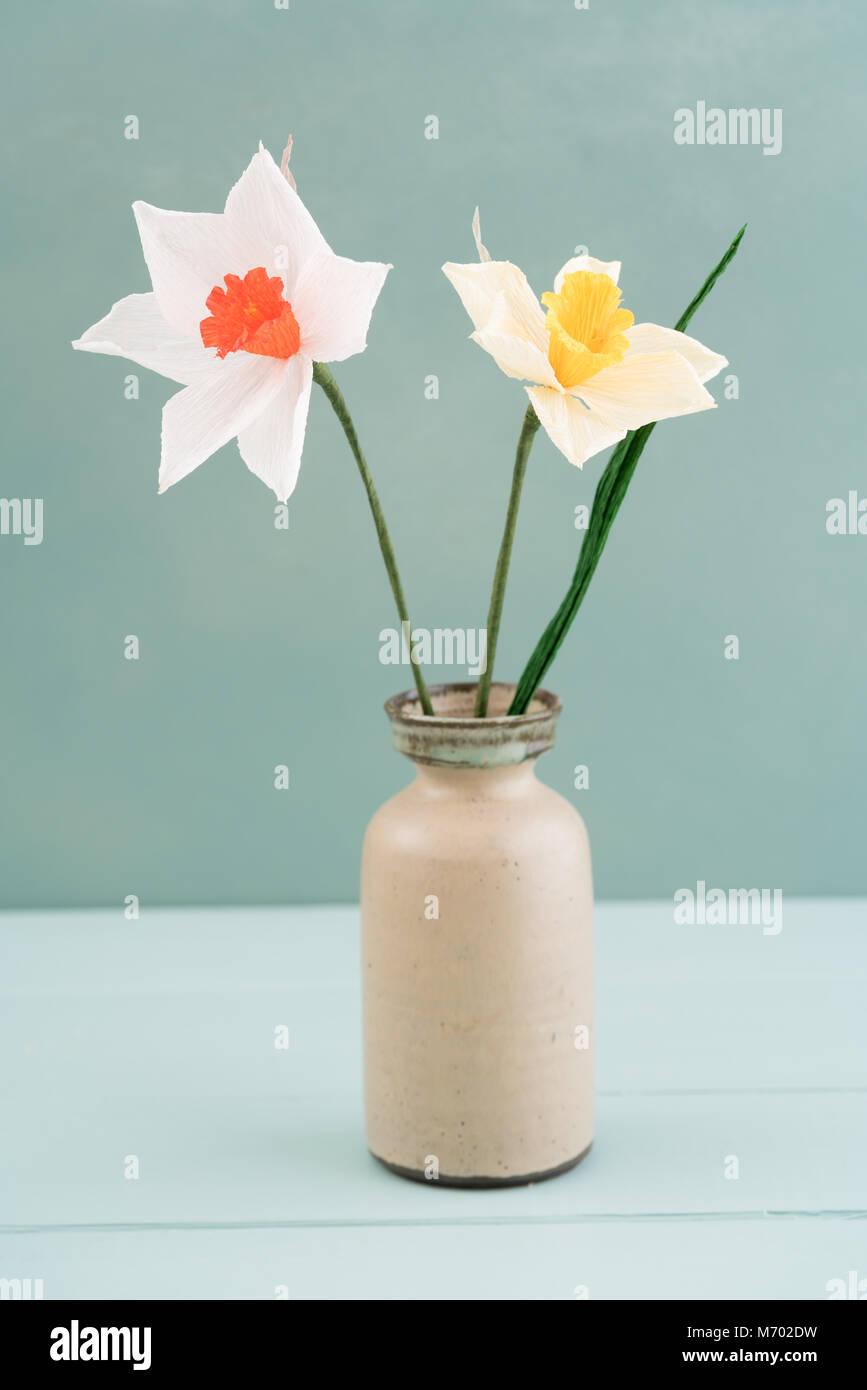 Crepe paper flower bouquet Stock Photo: 176408229 - Alamy