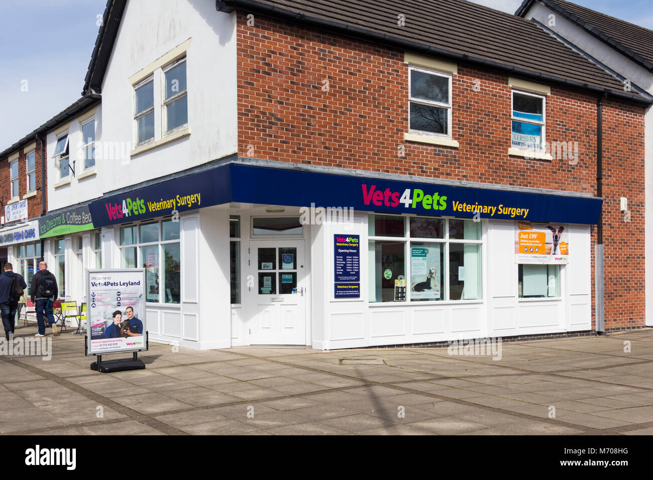 Vets4Pets veterinary surgery, Church Road, Leyland, Lancashire. Vets4Pets is a UK national chain of veterinary practices. - Stock Image