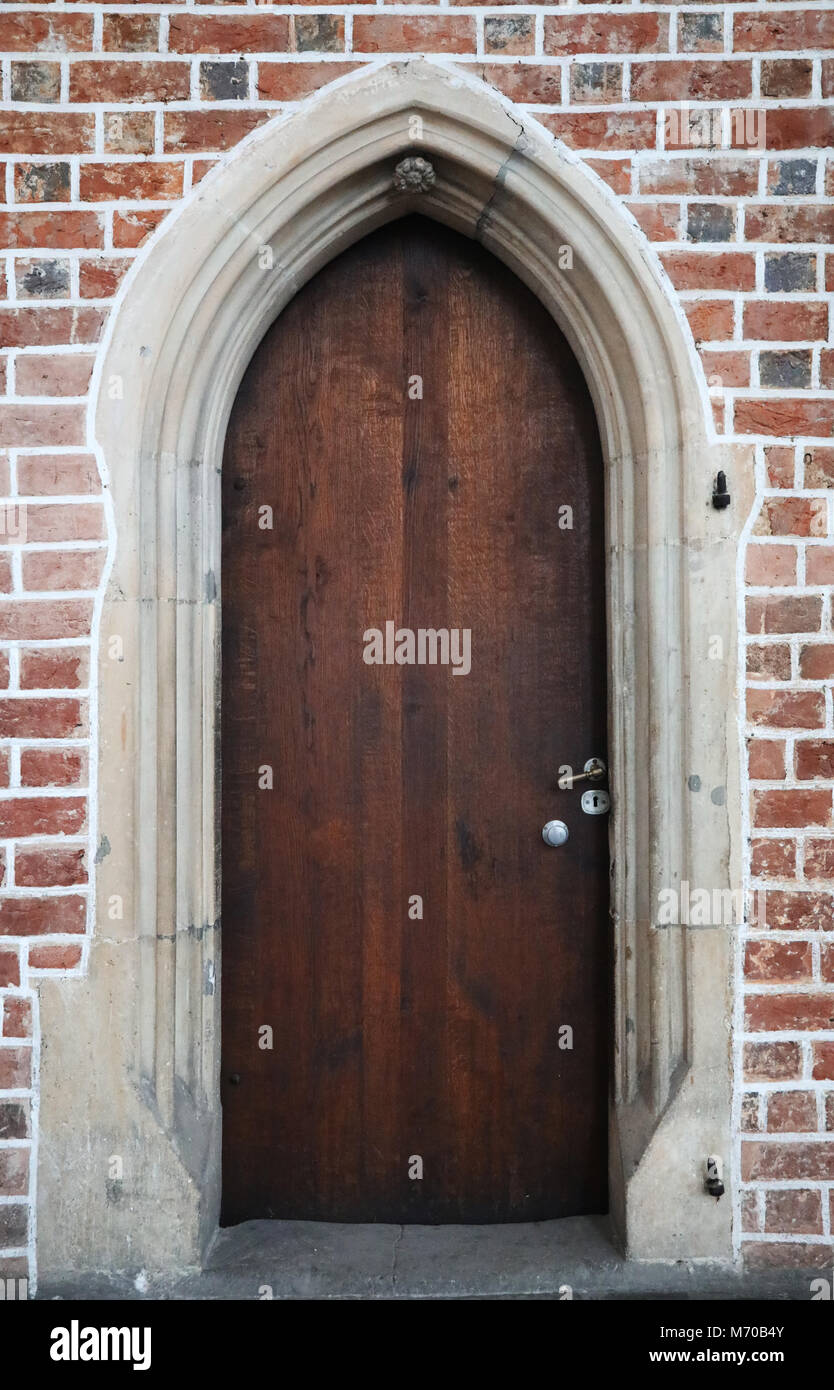 wooden gothic doors in a red brick wall - Stock Image & Gothic Doors Stock Photos u0026 Gothic Doors Stock Images - Alamy