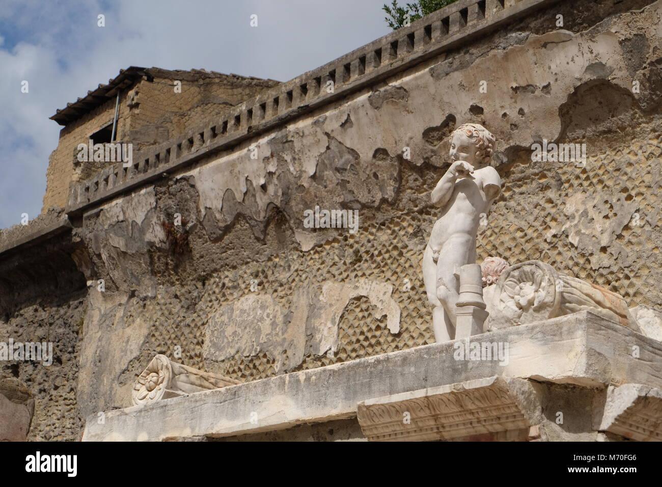 where is herculaneum located