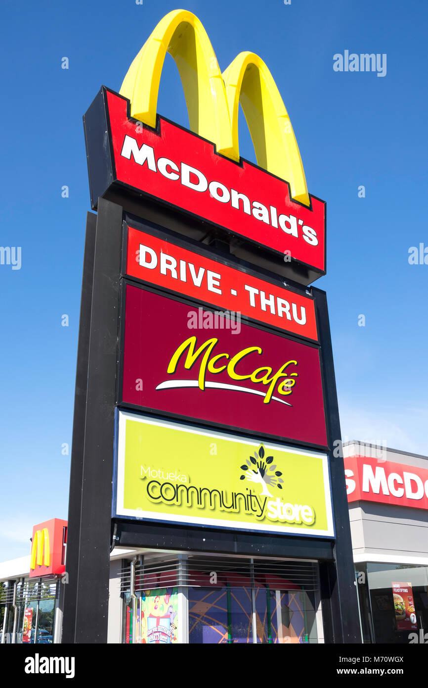 McDonald's Motueka restaurant sign, High Street, Motueka, Tasman District, New Zealand - Stock Image