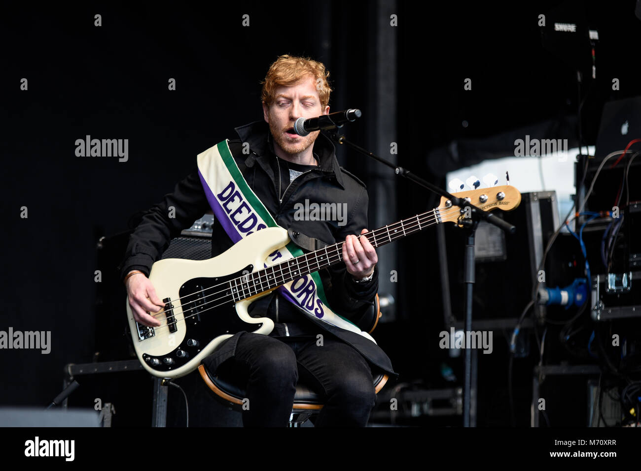 James Johnston of Biffy Clyro performing at the March 4 Women women's equality protest organised by Care International - Stock Image