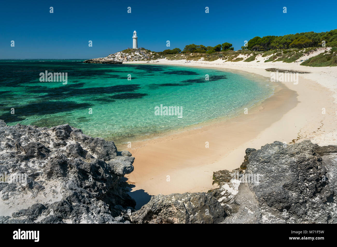 Turquoise ocean at Pinky Beach on Rottnest Island. - Stock Image
