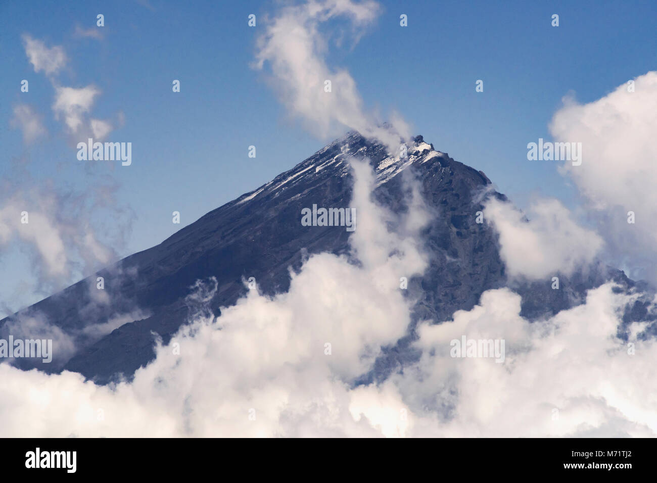 Snow on Mount Meru in winter, 5th highest in Africa, dormant stratovolcano, 4,562 M  (14,968 ft), Tanzania, East - Stock Image