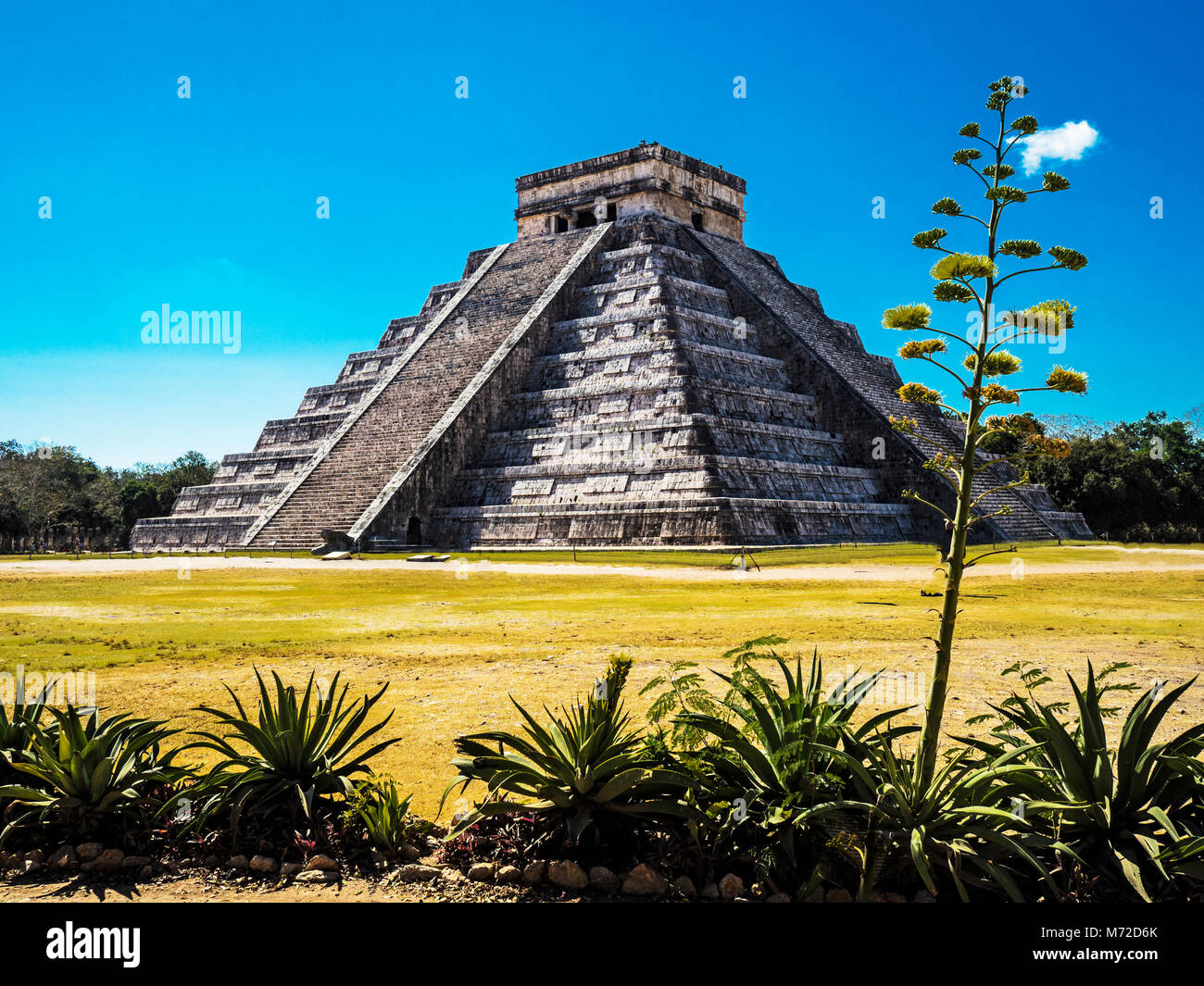 El Castillo, The Pyramid of Kukulkán, is the Most Popular Building in the UNESCO Mayan Ruin of Chichen Itza - Stock Image