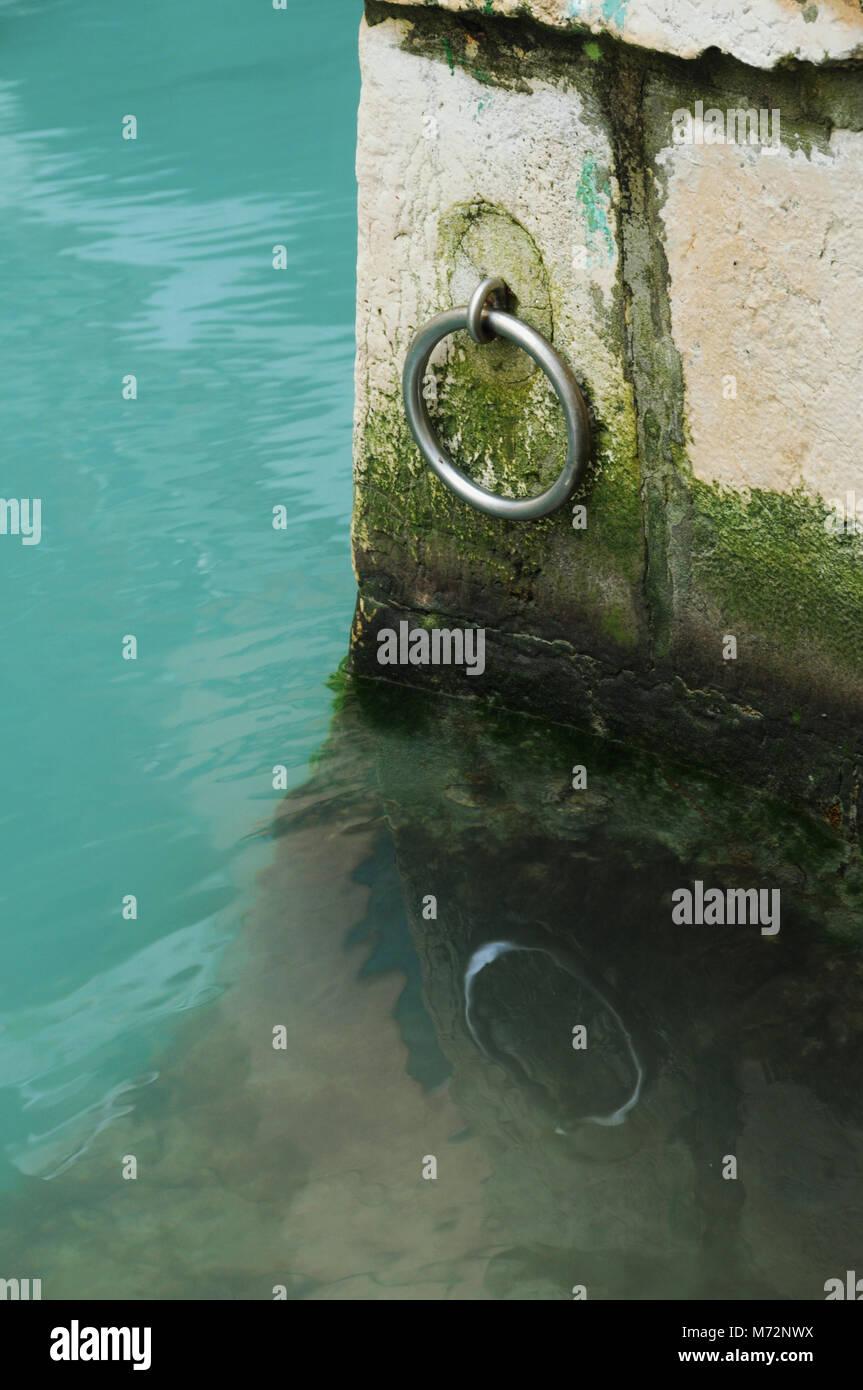 Mooring ring on the Rio della Maddalena, Cannaregio, Venice, Italy - Stock Image