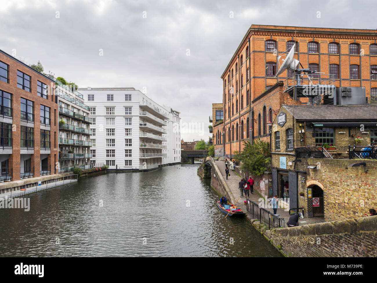 View of Regent's Canal, near Camden Lock Market, London, UK. - Stock Image