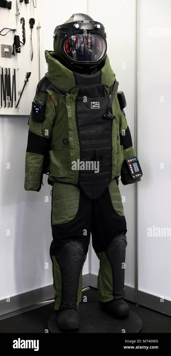 Bomb Suit Stock Photos & Bomb Suit Stock Images - Alamy