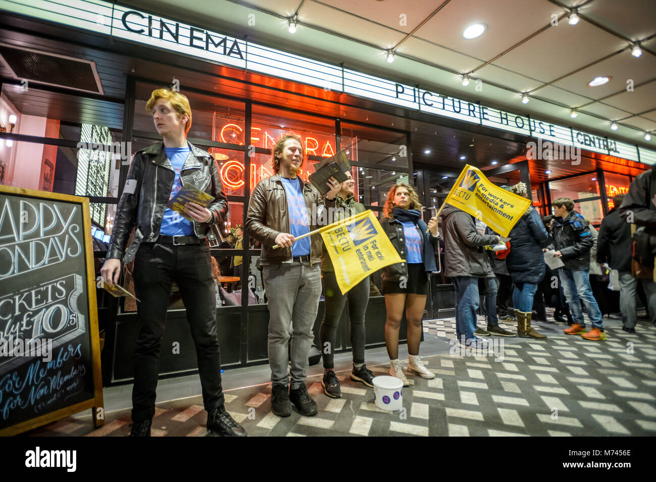 London, UK. 8th March, 2018. Striking cinema workers outside the Picturehouse Central cinema on Shaftsbury Avenue - Stock Image