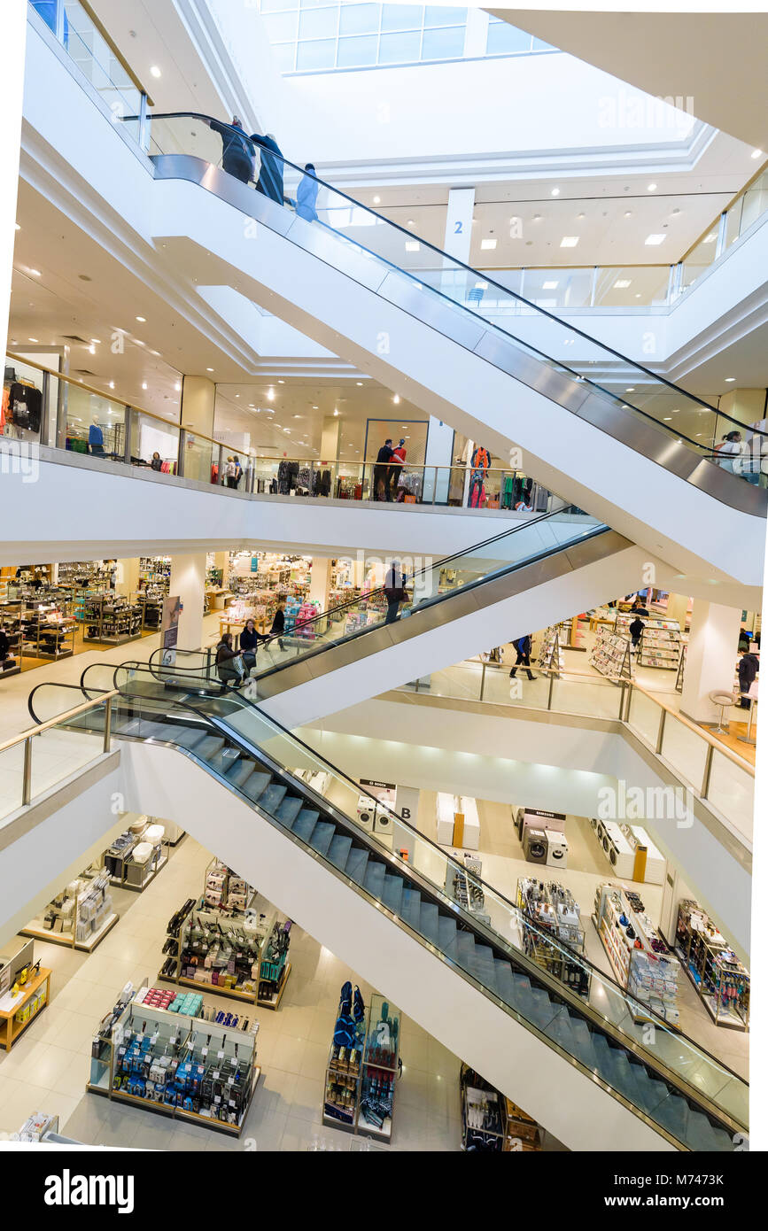 c4f8dd641ee Bluewater Shopping Centre Kent Stock Photo  176499671 - Alamy