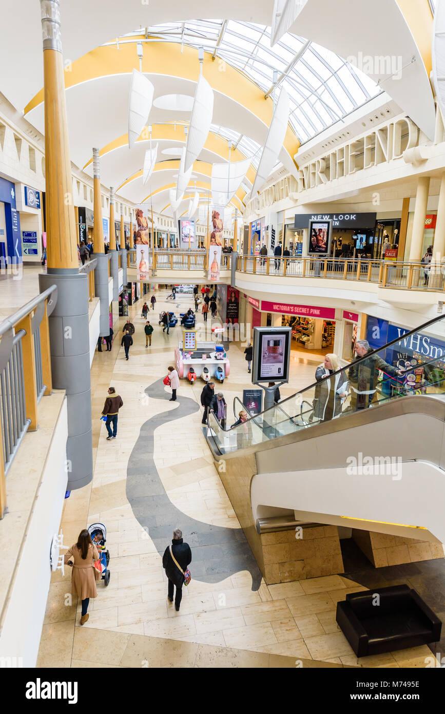 89100fdf227 Bluewater Shopping Centre Kent Stock Photo  176501290 - Alamy