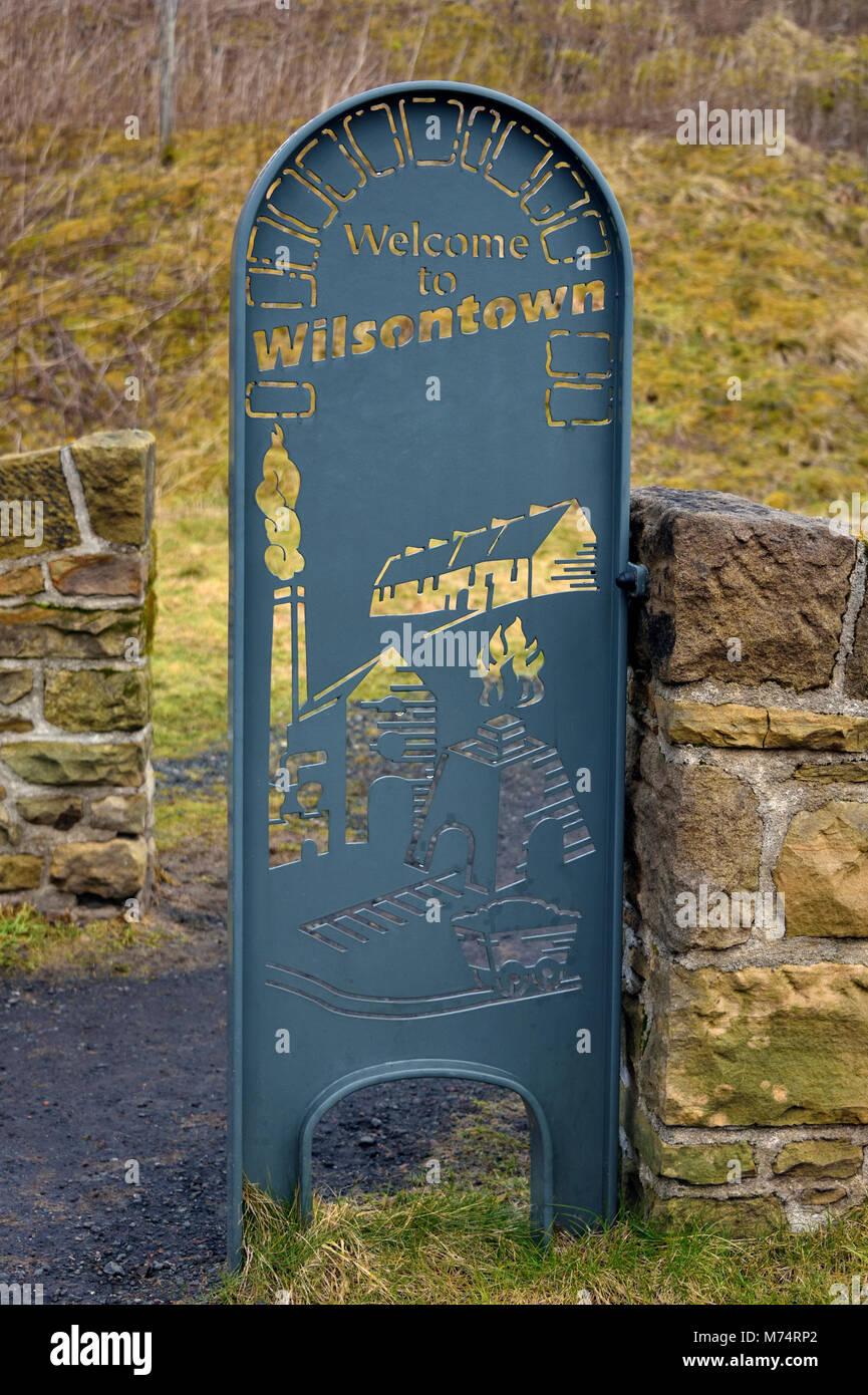 Welcome to Wilsontown ornamental metal sign. Wilsontown, Forth, Lanarkshire, Scotland, United Kingdom, Europe. - Stock Image