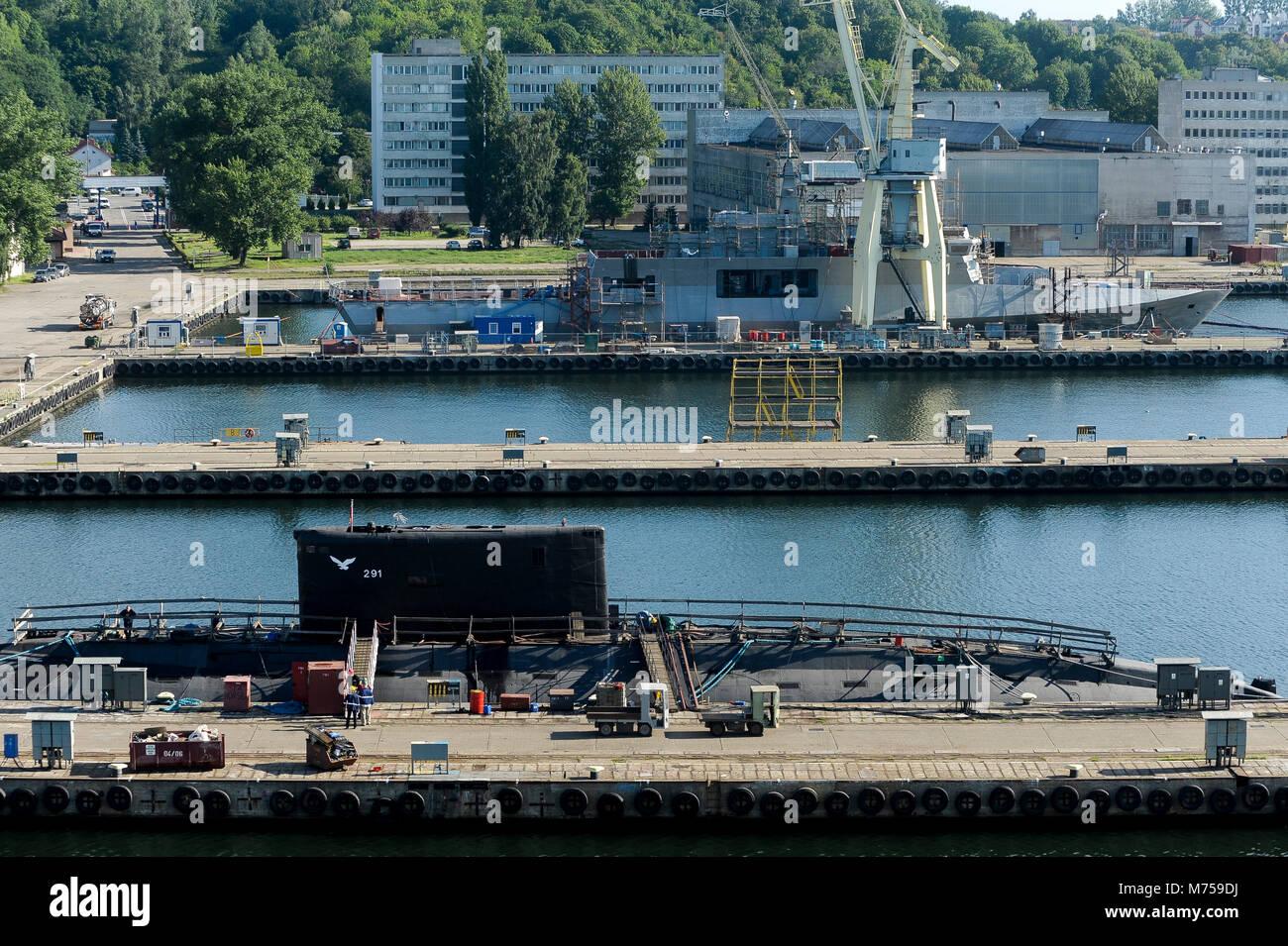 Polish Project 877E (Kilo-class by NATO) submarine ORP Orzel 291 and Polish Offshore Patrol Vessel ORP Slazak in - Stock Image